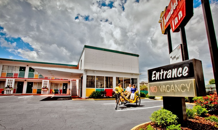 Thunderbird Inn - Savannah, GA: Stay at Thunderbird Inn in Savannah, GA, with Dates into April