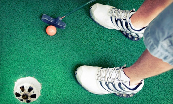 Family Golf Park - Highland Manor: $14 for Four Rounds of Mini Golf at Family Golf Park in Blue Springs ($28 Value)