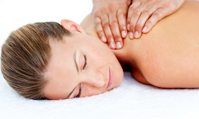 Ravenswood Health Center - North Center: $49 for a Wellness Package with Body-Composition Exam and Massage at Ravenswood Health Center ($280 Value)