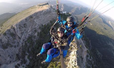 Vuelo biplaza en parapente con opción a montaña o curso de iniciación desde 49,90 € en DParapente