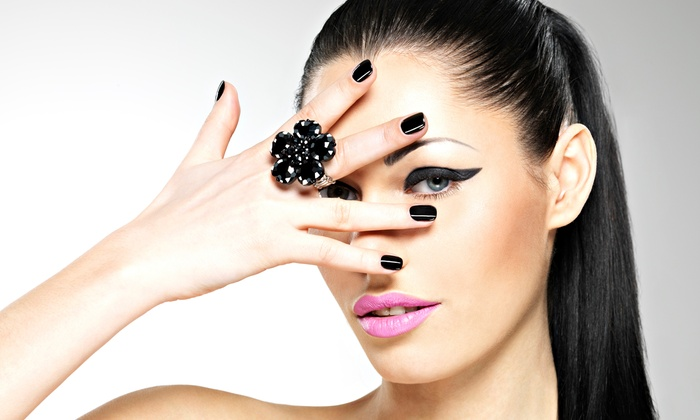 Heaven Nails - Elmhurst: One or Two No-Chip Manicures at Heaven Nails (46%Off)