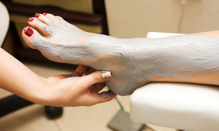 The Barefoot Lounge - Multiple Locations: $69 for a Deluxe Foot Spa Service with Mud Mask and Chocolate oil at The Barefoot Lounge ($134 Value)