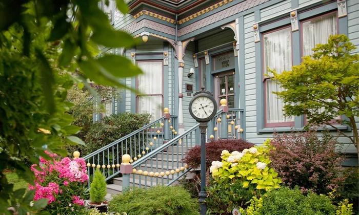 C'est la Vie Inn - Jefferson Westside: One-Night Stay at C'est la Vie Inn in Eugene, OR
