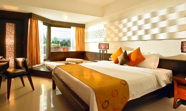Bintan: 4* Beachfront Resort 1