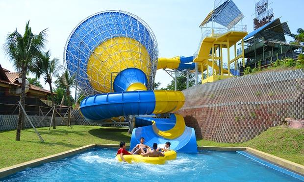 Melaka: Stay at Theme Park Resort 5