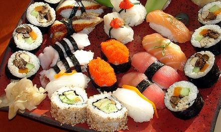 Bandeja de 32 piezas de sushi con 2 entrantes a elegir y bebida en local o take away por 19,90 € en Sushi-Wok Beijing