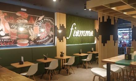 Menú de hamburguesas para 2 o 4 con entrante y postre en Fiamma Burger and Grill (hasta 53% de descuento)
