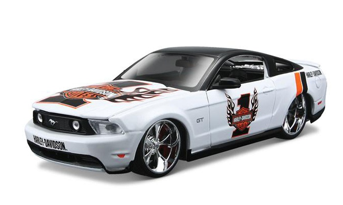 Platinum Car Collectibles - Plano: Luxury-Car-Themed Models, Phone Cases, and Shirts at Platinum Car Collectibles (50% Off).