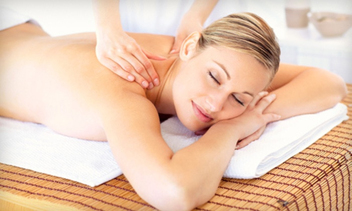 Broadway Chiropractic and Wellness - Multiple Locations: $39 for a 60-Minute Massage and Digital Posture Analysis at Broadway Chiropractic and Wellness ($170 Value)