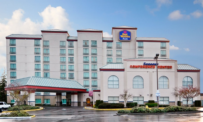 Best Western Plus Evergreen Inn & Suites - Federal Way, Washington: 1- or 2-Night Stay for Two at Best Western Plus Evergreen Inn & Suites in Greater Seattle