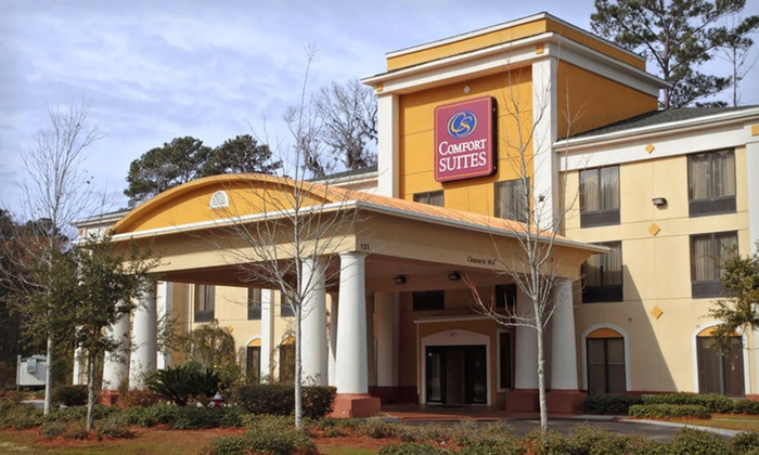 Comfort Suites - Beaufort, SC: One- or Two-Night Stay, Valid Friday–Tuesday, at Comfort Suites in Beaufort, SC
