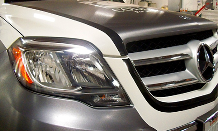 Cooks Collision - Sacramento: $19 for Headlight Restoration at Cooks Collision ($89.95 Value)