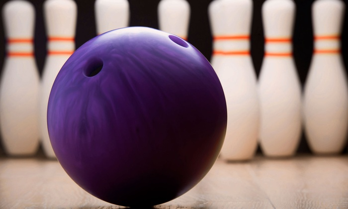 Manhattan Lanes - De Pere: Bowling and Pizza for Two or Four at Manhattan Lanes (Up to 54% Off)