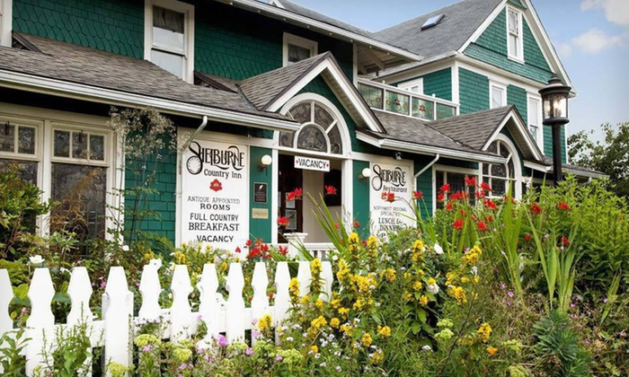 The Shelburne Inn - Seaview, WA: Two-Night Stay for Two with a Bottle of Wine at The Shelburne Inn in Seaview, WA. Multiple Room Types Available.