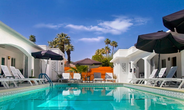 null - San Diego: Stay at POSH Palm Springs in California
