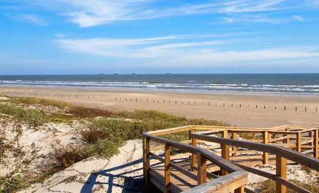 Port Aransas Escapes - Port Aransas, Texas: Stay for Up to Six at Port Aransas Escapes on Texas Gulf Coast, with Dates into December
