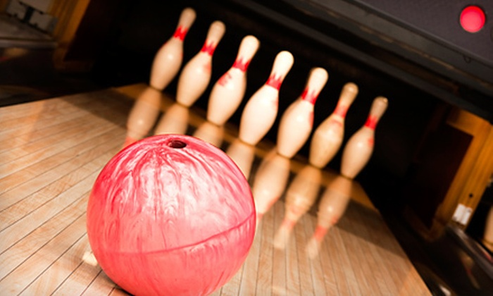 Mallwitz's Island Lanes - Grand Island: $15 for Two Hours of Bowling with Shoe Rentals for Up to Five at Mallwitz's Island Lanes (Up to $49.90 Value)