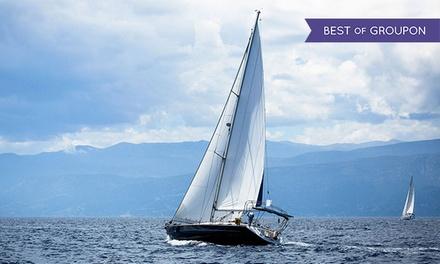 Weekend con pernottamento in barca, pasti inclusi e corso iniziale di vela d'altura con Skipperpoint (sconto fino a 56%)