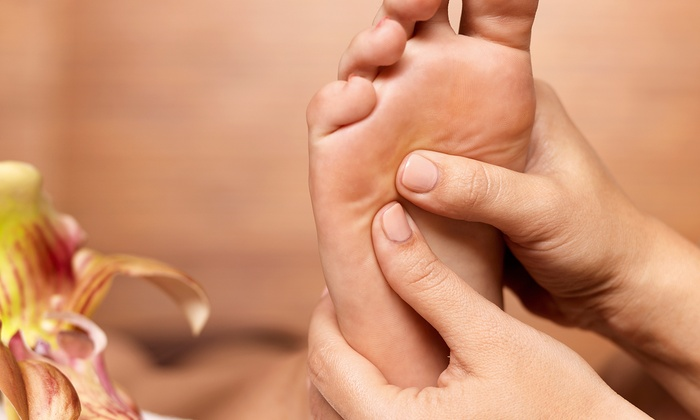 Health-Pro Wellness - Vaughan: $39 for a 60-Minute Foot-and-Palm Reflexology Session at Health-Pro Wellness ($80 Value)