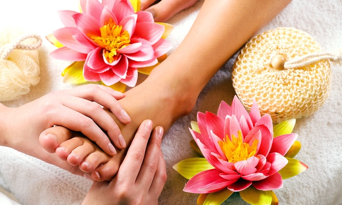 Aretée - Grosse Pointe: One or Three 30-Minute Reflexology Massages, or One 60-Minute Reflexology Massage at Aretée (Up to 52% Off)