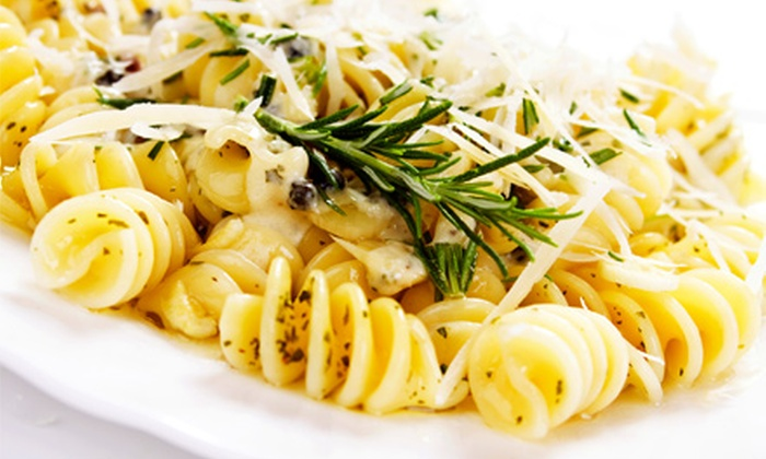Viva La Pasta - Simi Valley: $15 for $30 Worth of Italian Cuisine and Drinks at Viva La Pasta