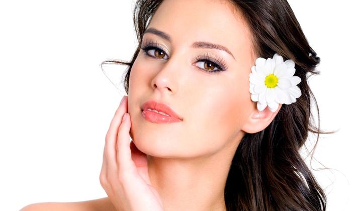Trattamenti di bellezza per il viso come botox, acido ialuronico, biorivitalizzazione