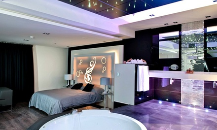 San Valentín Zaragoza: 1 noche en suite con ducha, detalle romántico y opción a jacuzzi, desayuno y cena en Hotel Kadrit