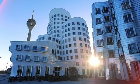 120 Minuten MedienHafen-Führung für bis zu 4 Personen bei Düsseldorf Tourismus