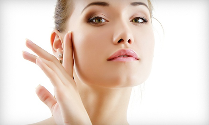 River Oaks Beauty Bar - Greenway - Upper Kirby: One or Three 60-Minute Custom Signature Facials at River Oaks Beauty Bar (Up to 63% Off)