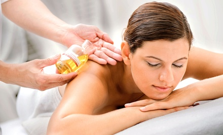 $45 for a 60-Minute Deep-Tissue or Relaxation Massage with Aromatherapy at Divine Healing ($75 Value)