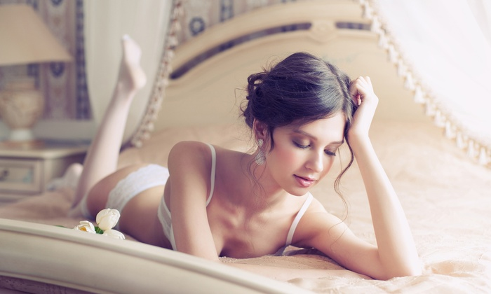 Bella Chi Photgraphy - Grosse Pointe: $99 for a One-Hour Boudoir Photo Shoot from Bella Chi Photography ($350 Value)