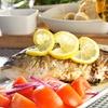 Menu di pesce fresco con dolce e vino