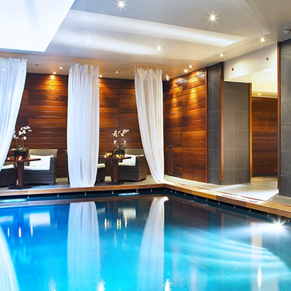 The Vendôme Spa by asian villa