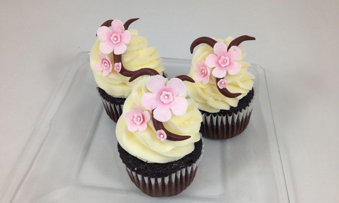 Janel's Cakes - Landen: $26 for $40 Worth of Bakery Decorating Classes — Janel's Cakes