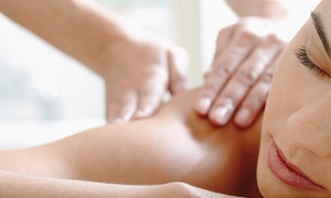 L'escale détente Anick Laflamme: One or Two Massages of your Choice at L'escale détente Anick Laflamme (Up to 50% Off)
