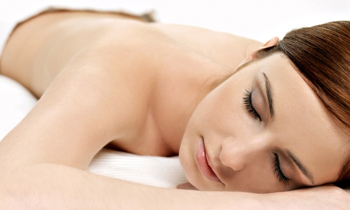 Modern Tranquility LLC - Congress Central: $69 for a Holiday Spa Package with peppermint European rose clay body wrap at Modern Tranquility, LLC ($150 Value)
