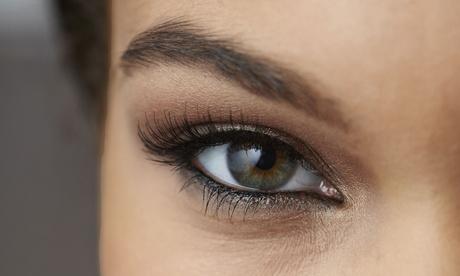 Microblading en la línea del ojo superior y/o inferior o en las cejas desde 69 € en Baobá