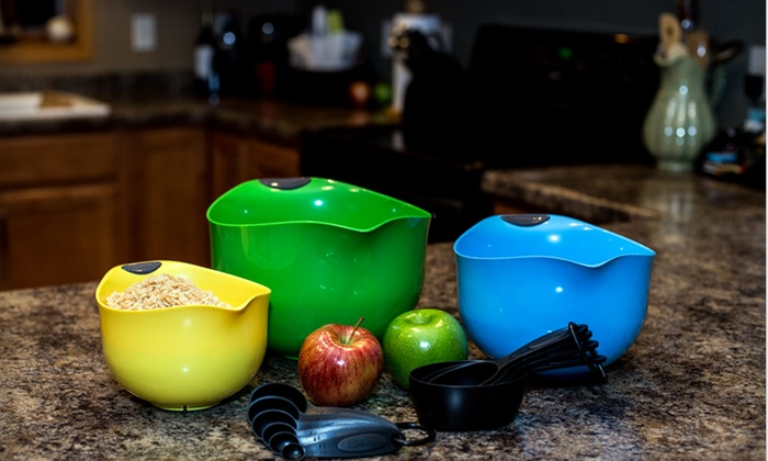 Cuisinart Mixing Bowls and Measuring Set: Cuisinart Mixing Bowls and Measuring Set. Free Returns.