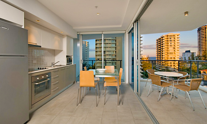 Gold Coast: 3N Stay for Four 1