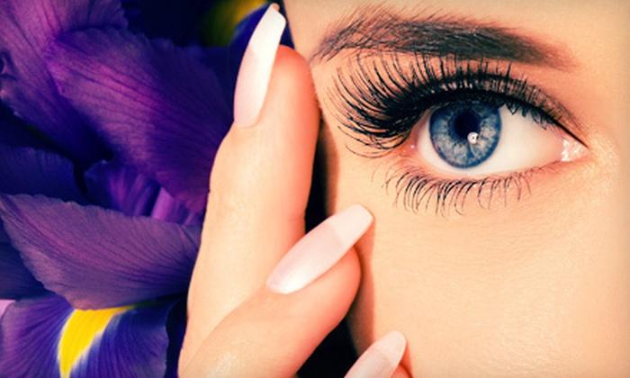 NY Splash Salon - East Norwich: $99 for a Full Set of Eyelash Extensions at NY Splash Beauty Salon ($350 Value)