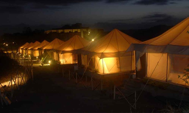 Tent-up in royal style at Fort Jadhavgarh & Weekend Getaway Packages from Mumbai Mumbai Getaway Deals - Tripoto