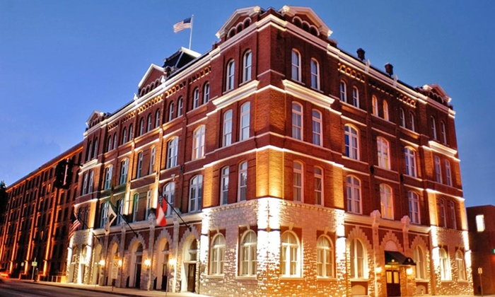 null - Savannah / Hilton Head: Stay at Inn at Ellis Square in Savannah, GA. Dates Available into February.