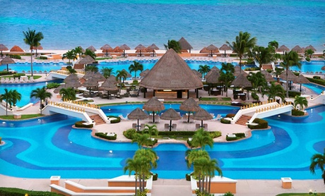 All-Inclusive Cancun Beach Vacation with Airfare