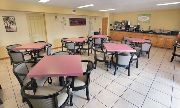 Roomba Inn Amp Suites Daytona Beach In Daytona Beach Fl