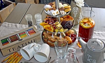 Luxe high tea met onbeperkt thee voor 2, 4 of 6 personen bij Gasterij de Passage in OudBeijerland