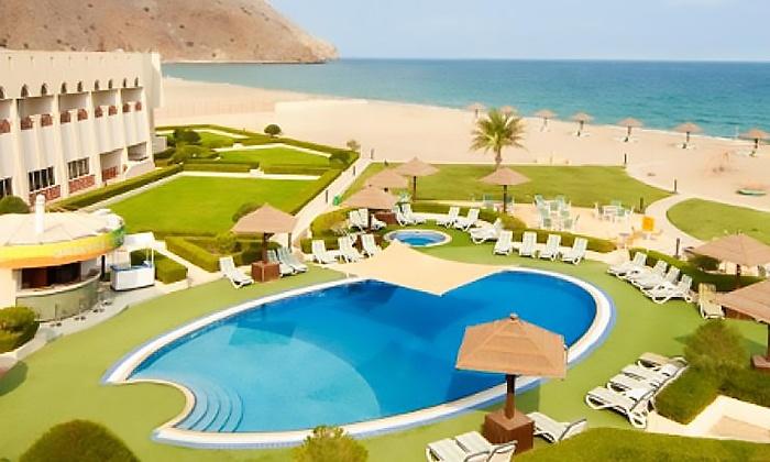 STE-Diamond Horizon Tourism - STE-Diamond Horizon Tourism: Musandam: 1 or 2 Nights for Two with Full Day Cruise at 4* Golden Tulip Dibba Resort
