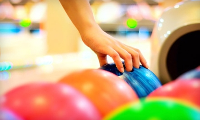 Del-Mar Lanes - Del Mar Lanes: $15 for One Hour of Weekend Bowling for Up to Four with Shoe Rental at Del-Mar Lanes (Up to $31.68 Value)