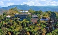 Costa Rican Hotel Overlooking Pacific Ocean