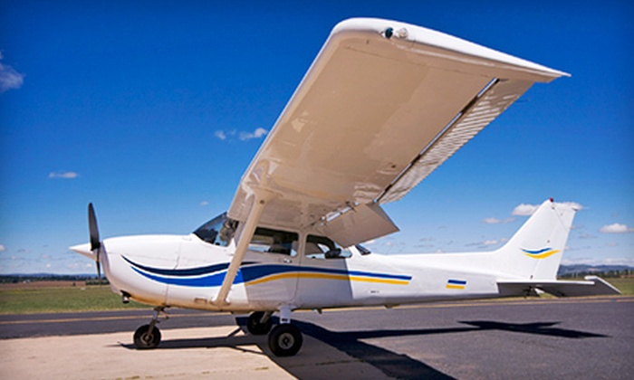 Canadian Flight Academy - Oshawa: $89 for a 75-Minute Introductory Flight Experience in a C-152 at the Canadian Flight Academy ($183 Value)