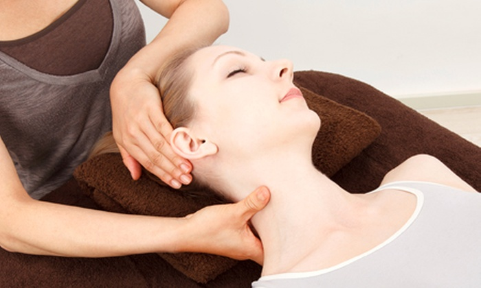 Suffolk Clinic - Coventry: Deep Tissue Sports Massage Plus Consultation for £15 at Suffolk Clinic